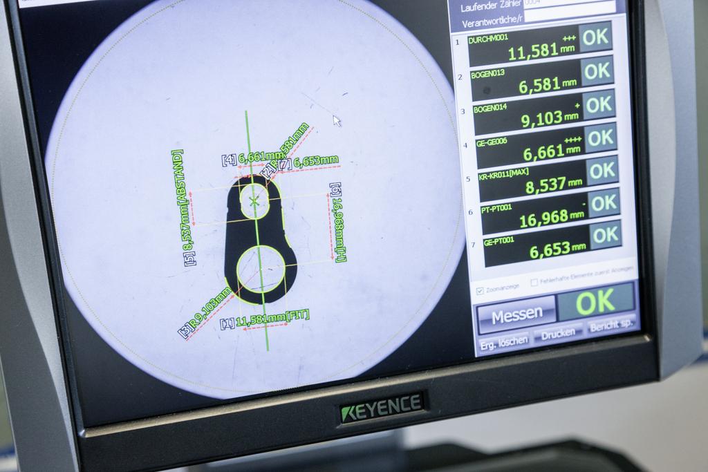 Bildschirm mit zu messendem Teilchen